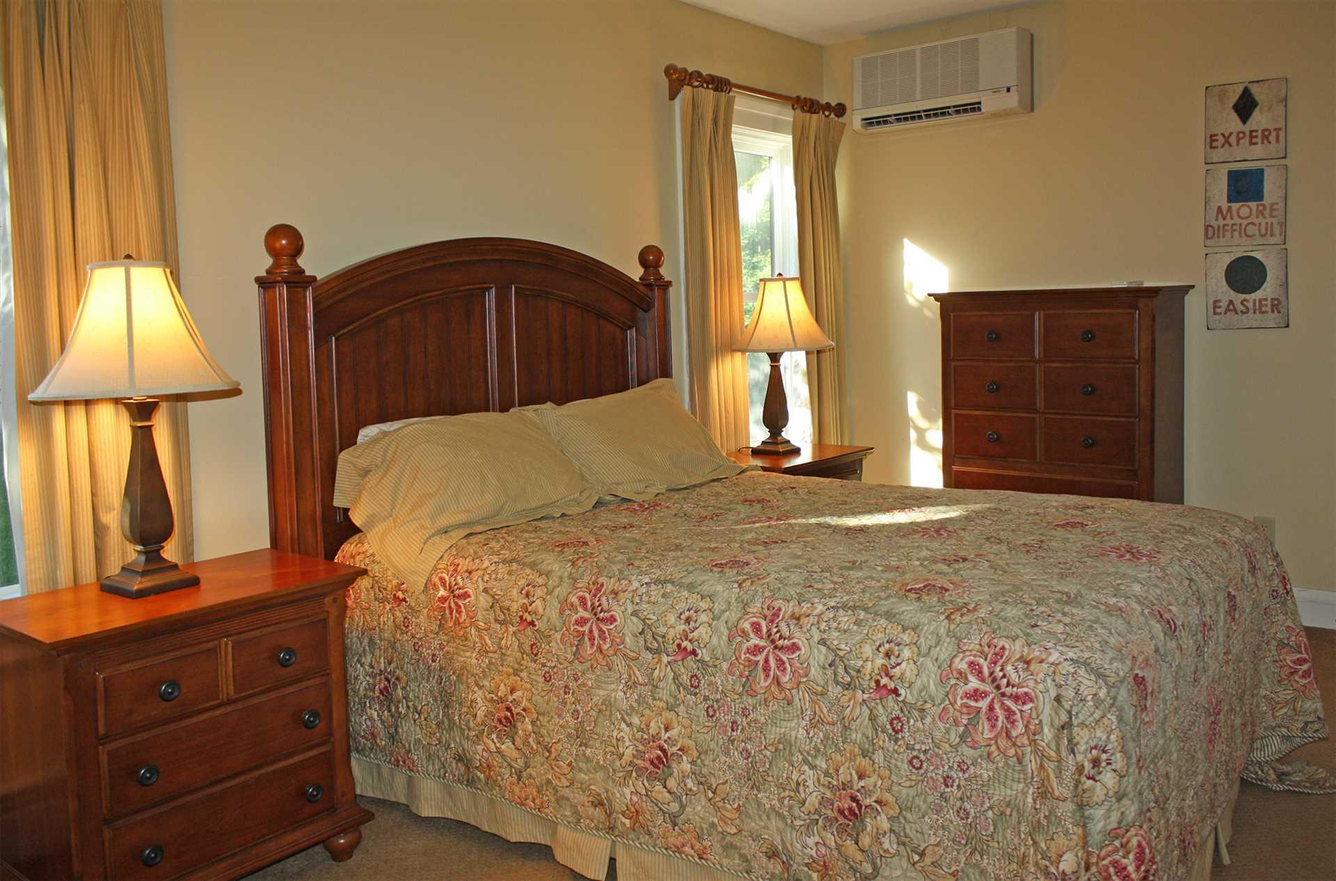 Guest Room w/Queen Bed